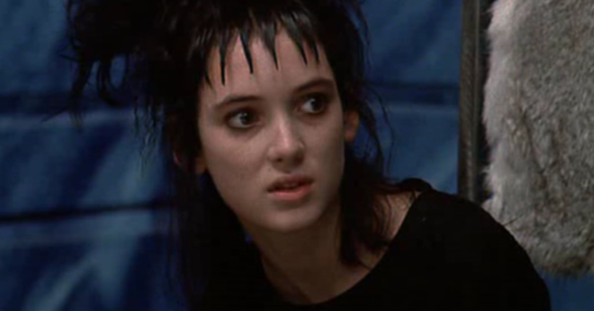 The Story Behind Lydia Deetz S Beetlejuice Outfits Will Make You Nostalgic