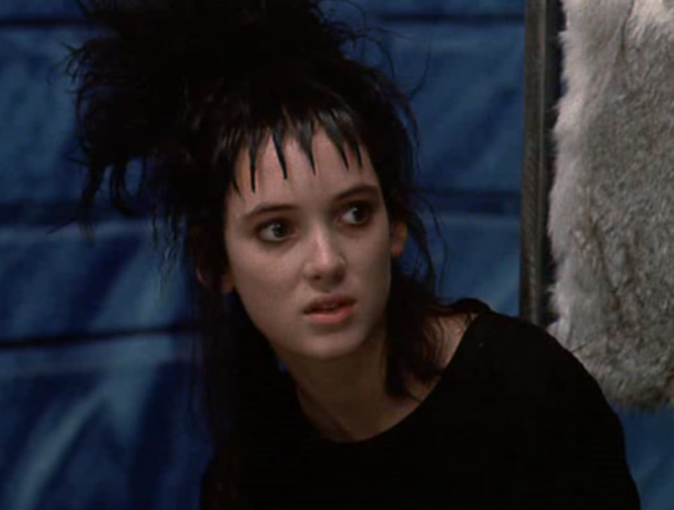 The Story Behind Lydia Deetz S Beetlejuice Outfits Will