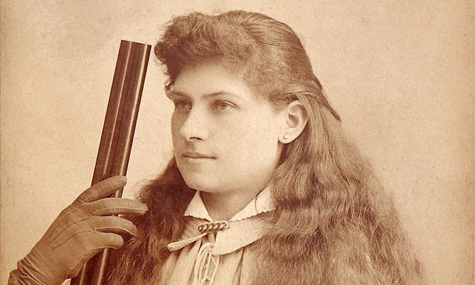 Sexy Lady Gunslingers 13