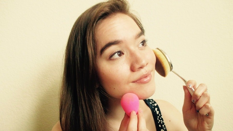I Tried Oval Brushes Vs  A beautyblender To Apply Makeup