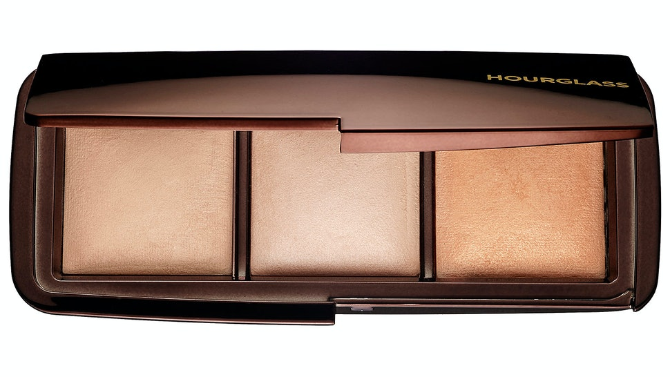 32b82d4271 Are The Hourglass Ambient Lighting Powders Worth It  Here s What Beauty  Gurus Think — VIDEOS