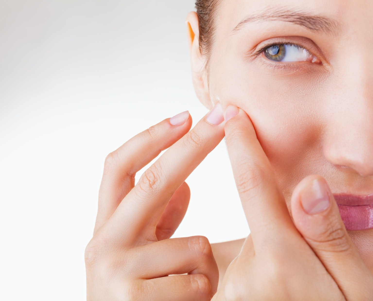 5 Ways To Care For Your Skin After Popping A Pimple