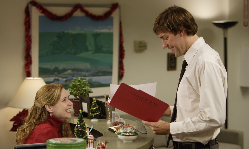 53 christmas tv episodes on netflix that will make your heart grow three sizes with holiday cheer
