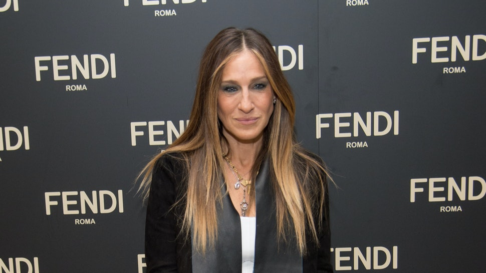 6d38a8cfc2b Sarah Jessica Parker Is A Jeans And T-Shirt Kind of Gal