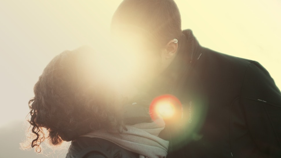 9 Of The Worst Things People Do While Kissing, According To