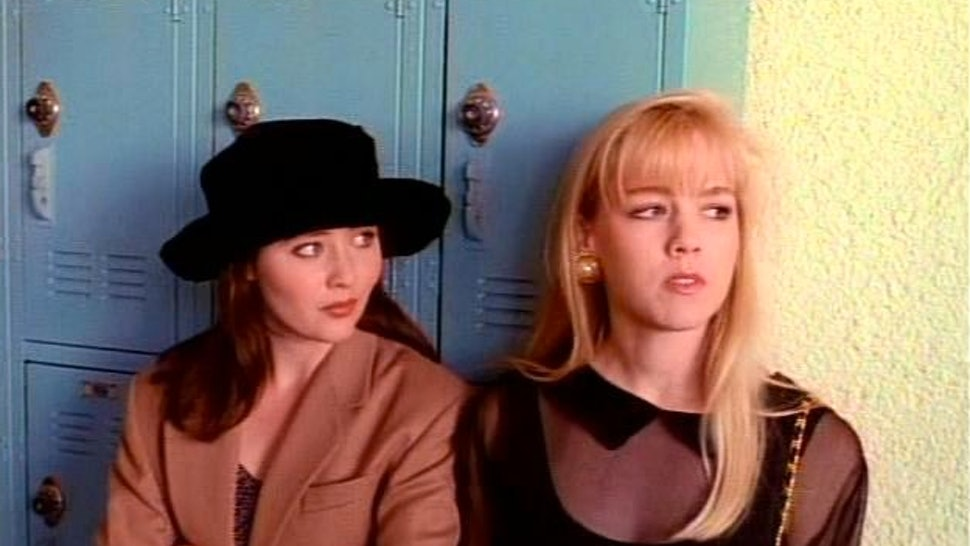 42fc504267 21 Style Lessons From  Beverly Hills 90210  That Still Influence Fashion  Today — PHOTOS