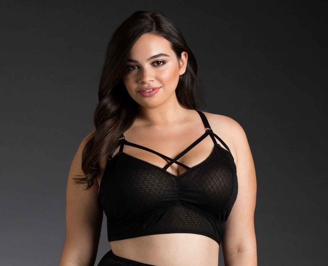4f5b3e46a0f 10 Bralettes For Big Boobs That Are Actually Supportive
