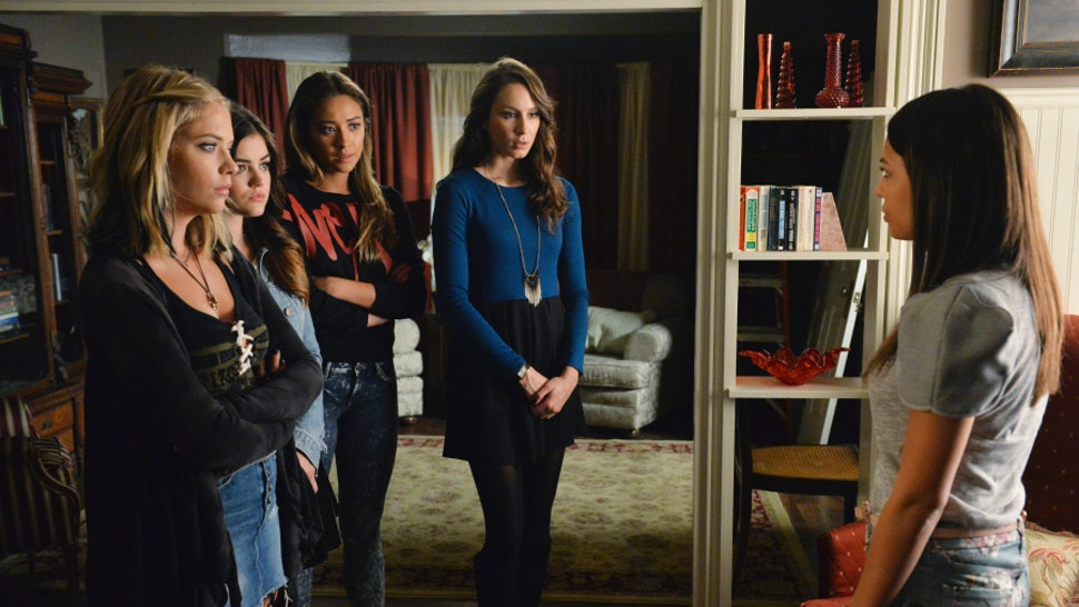 Pretty Little Liars Season 2 Finale Unmasked Proves There Are So