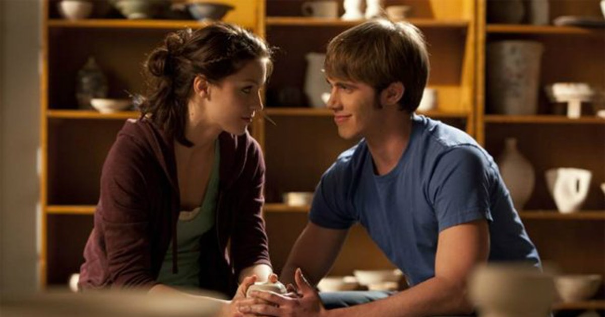 Supergirl Casts Melissa Benoist S Husband Blake Jenner Their Off Screen Chemistry Is Magical Photos