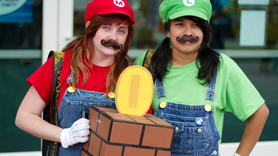 20 Easy Halloween Costumes For Best Friends You Can Pull Together In