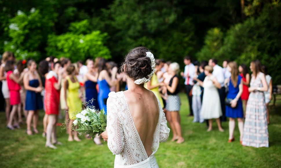 This Is What It Costs To Be A Bridesmaid In The Us Today