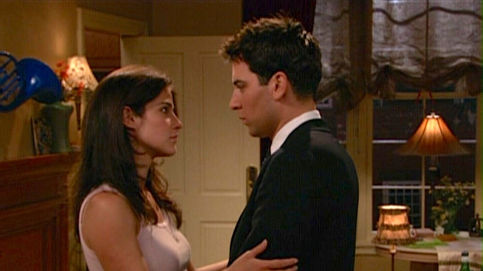 How I Met Your Mother' Pilot — 9 Things You Never Noticed From The