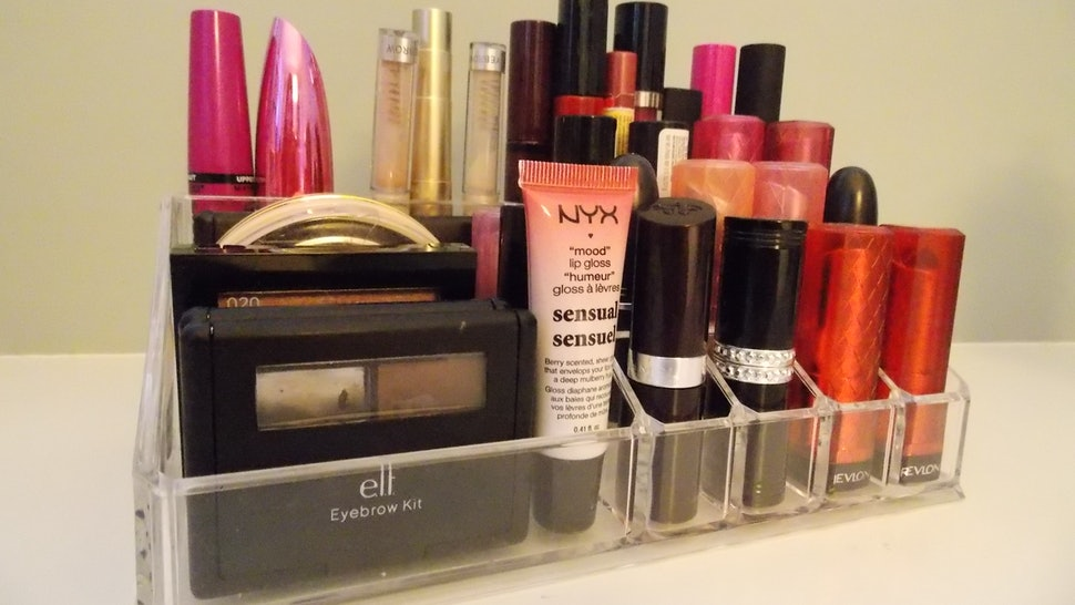 7 Tips For Organizing Your Vanity Because In The Morning Quickest Way Is Easiest