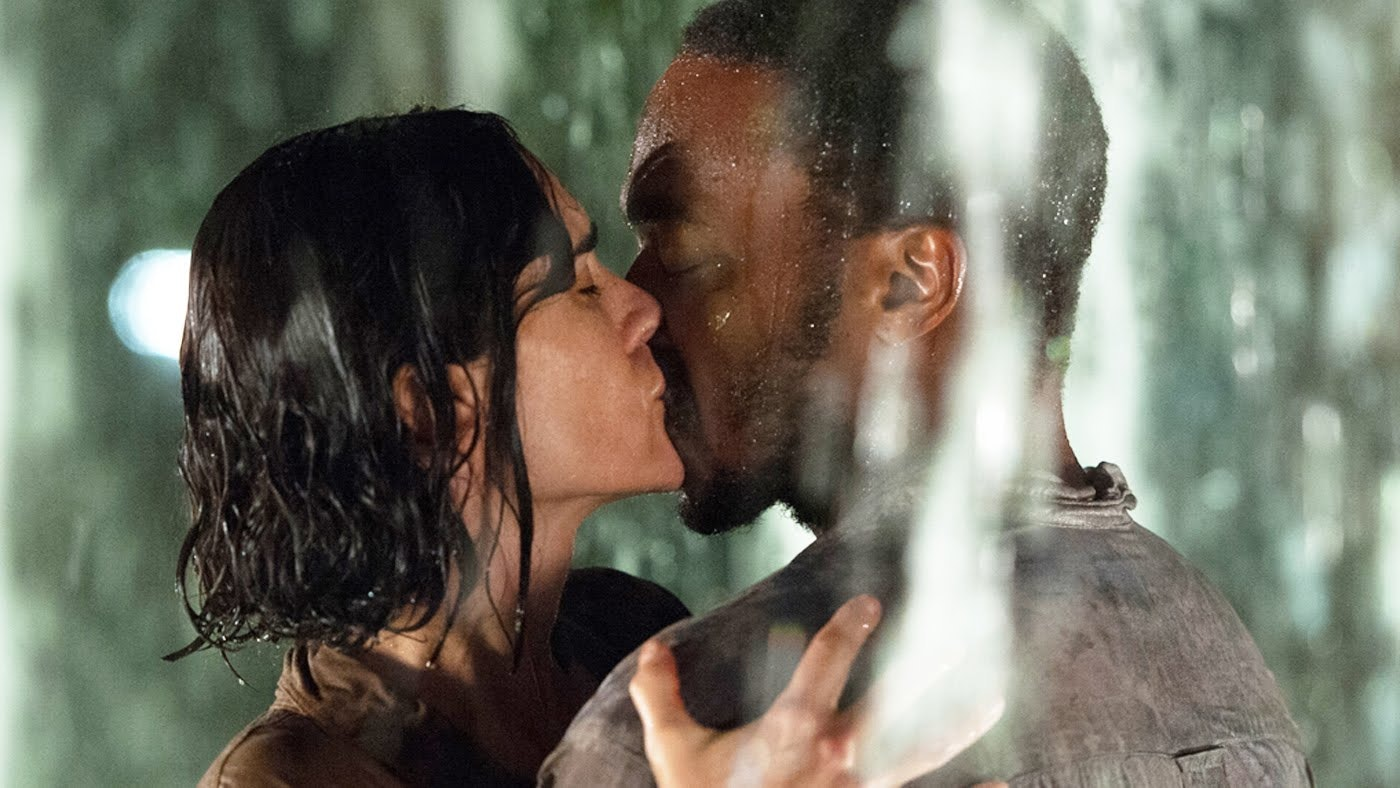 Dating on earth kissing scene