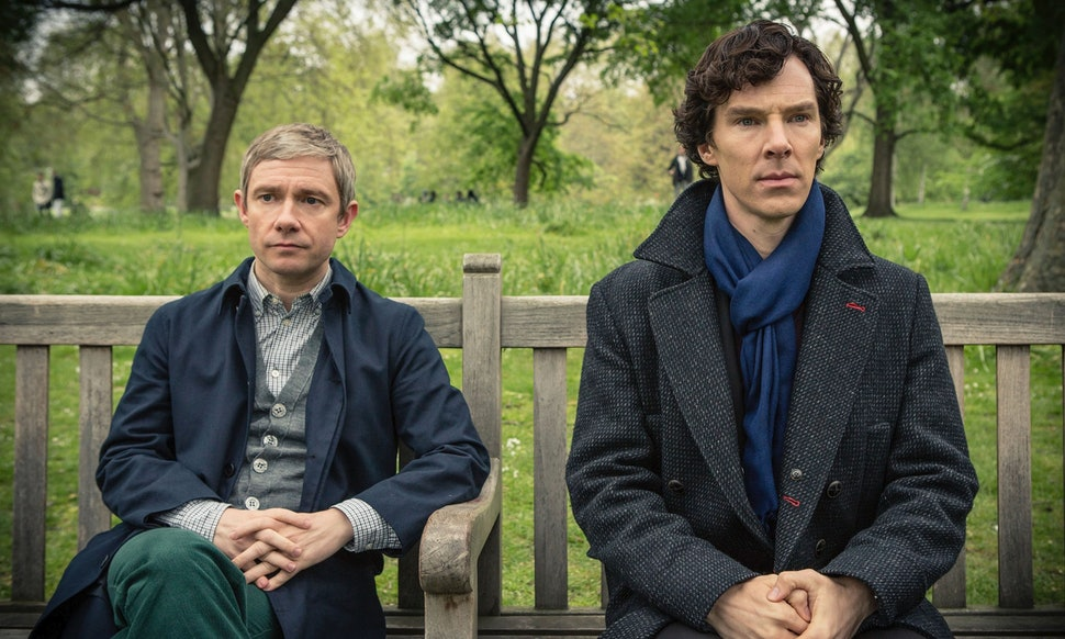 How To Dress Like A BBC \'Sherlock Holmes\' Character To Tune Into ...