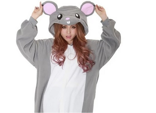 4 Pizza Rat Halloween Costume Ideas For People Who Canu0027t Get Enough Of This Celebrity Rodent  sc 1 st  Bustle & 4 Pizza Rat Halloween Costume Ideas For People Who Canu0027t Get Enough ...
