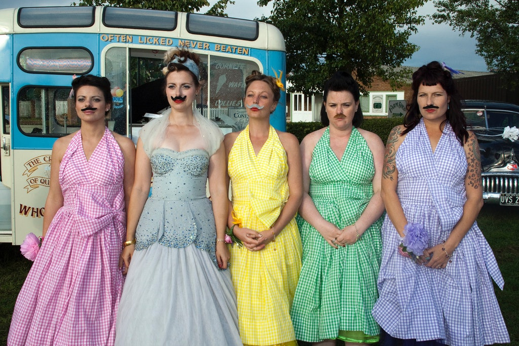 The Most Ridiculous Bridesmaid Dresses We Ve Seen Lately To Make You Feel Slightly Better About Your Own