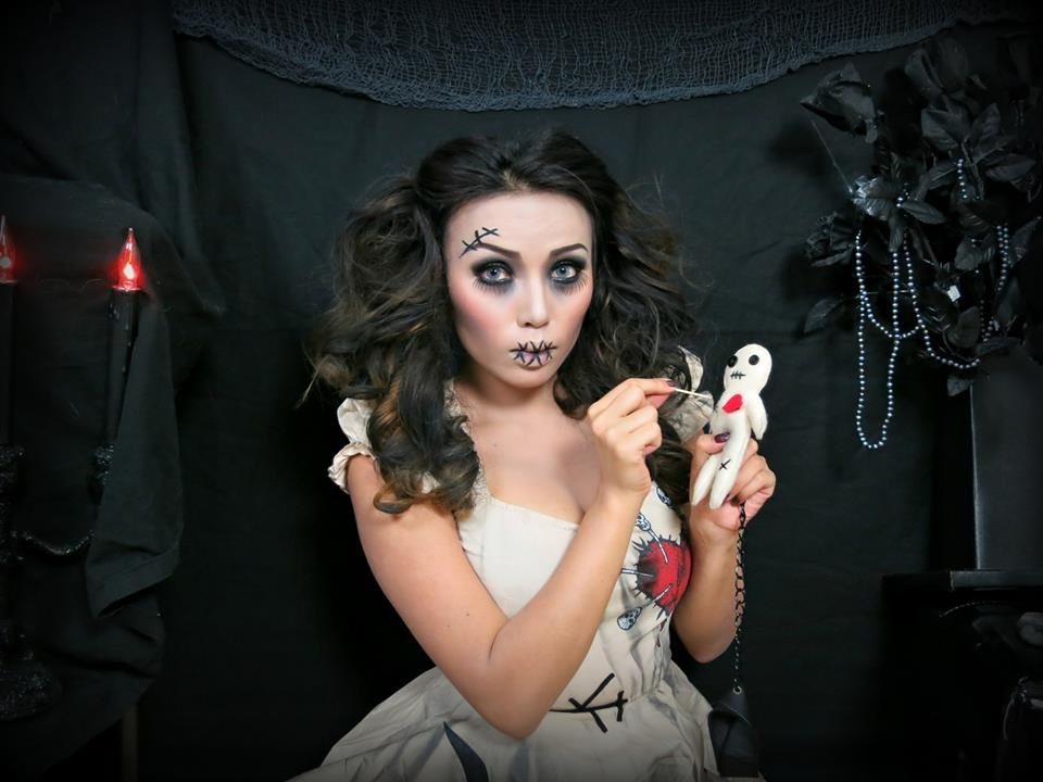 7 sexy scary halloween makeup tutorials thatll creep out seduce your friends videos