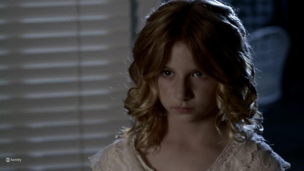 Is Bethany S Dead Twin Sister The Ghost Girl On Pretty Little Liars