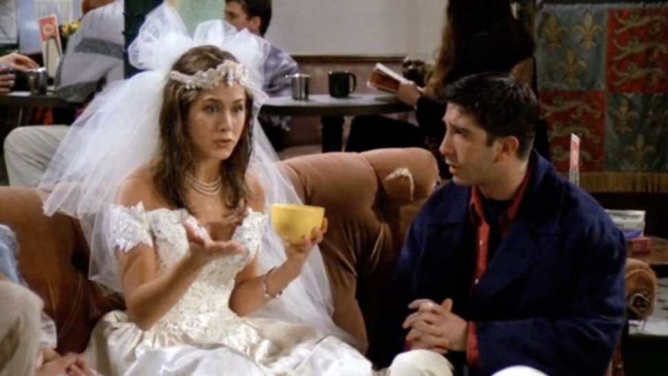 21 Thoughts Every Friends Fan Had While Watching The Pilot For The