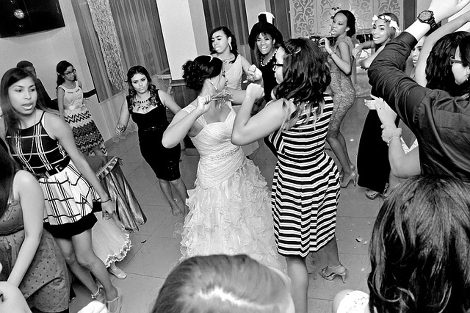 How To Dj A Wedding With An Ipod And Make Sure The Music Goes Off