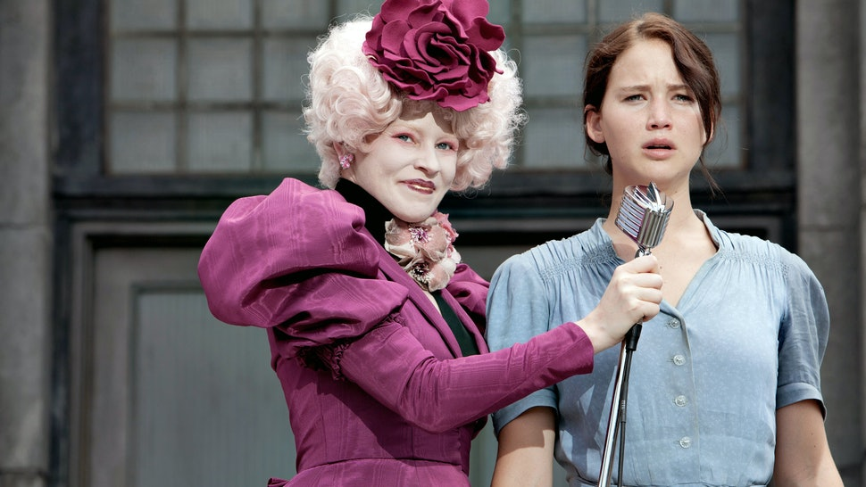 How to Dress As 'The Hunger Games' Effie Trinket For
