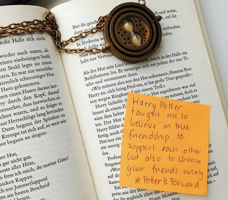 Potteritforward Leaves Notes In Harry Potter Books To Encourage New Readers Photos