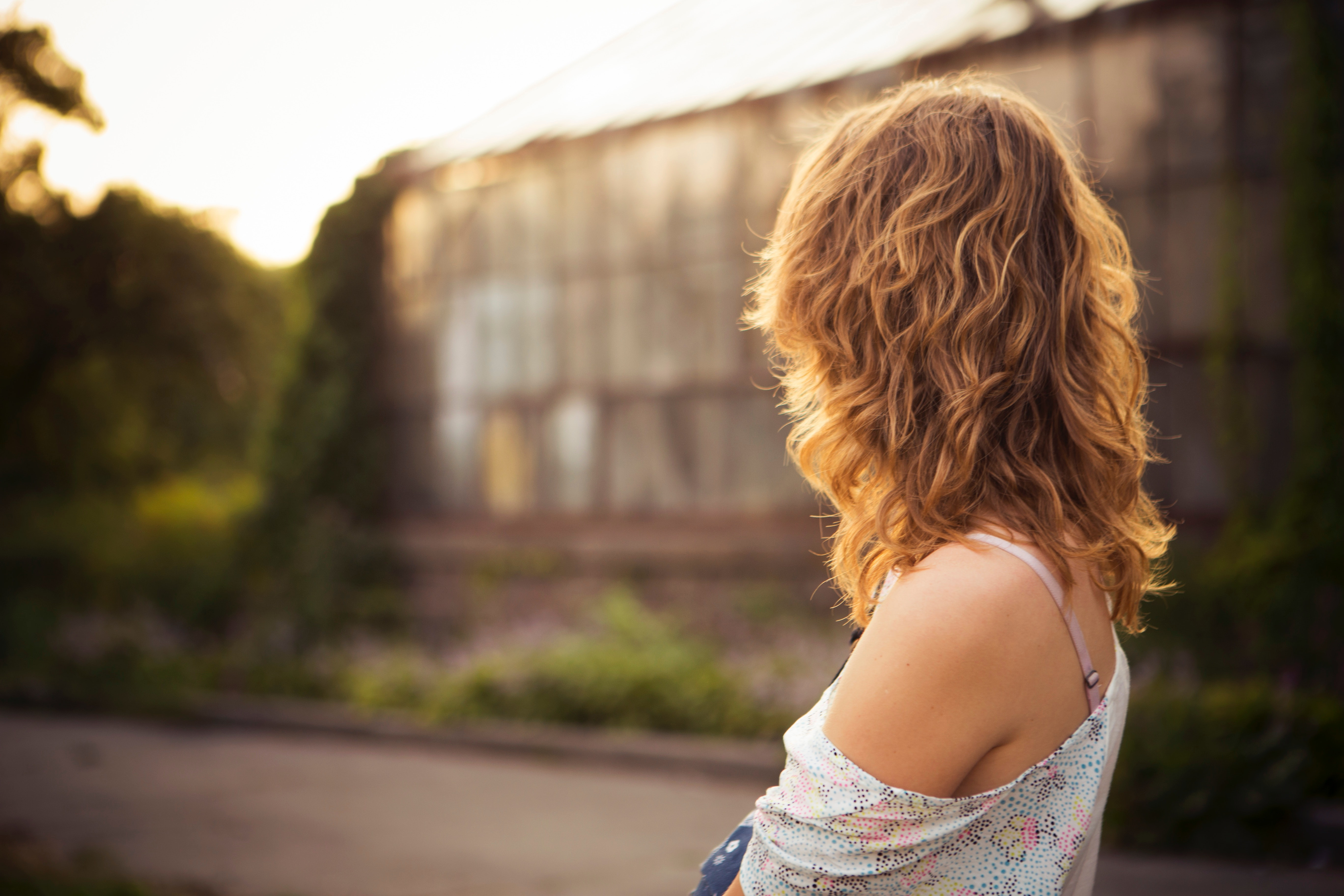 6 Signs You May Be Emotionally Unavailable