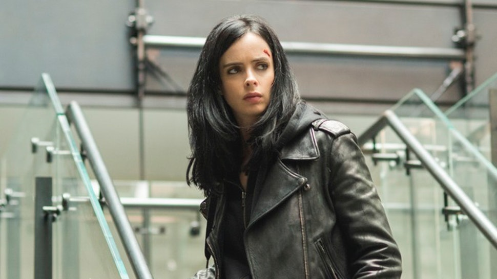 9186aed5c1 'Jessica Jones' Costume Designer Opens Up About The Character's Tough Look