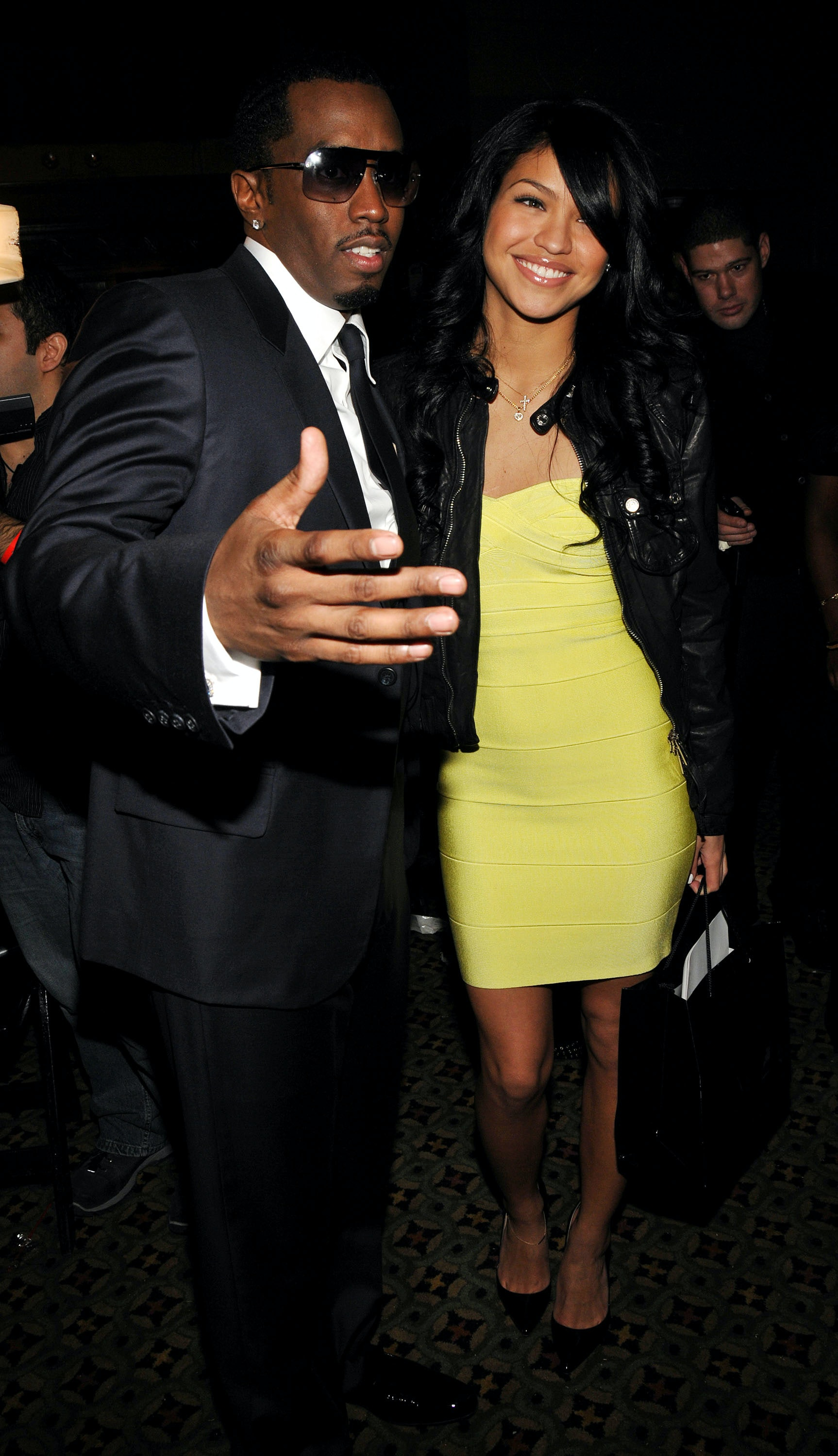 Cassie dating chris brown