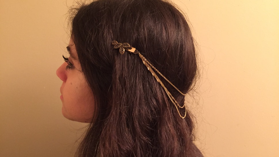 60394809bf34c 13 Ways To Wear Hair Accessories Like You Never Have Before — PHOTOS