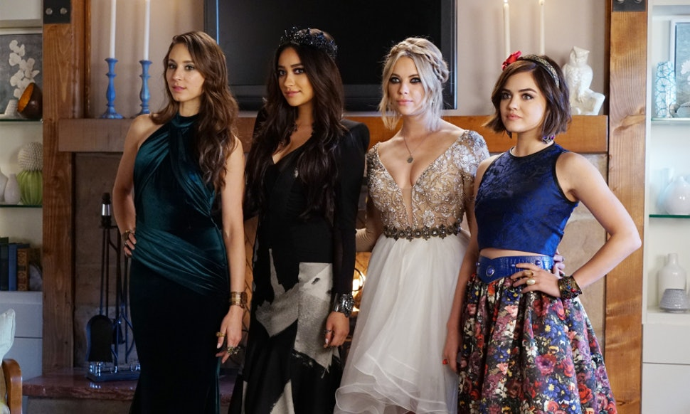 Pretty Little Liars Prom Dresses From Last Dance May Be The Best Gowns In Series Long Fashionable History