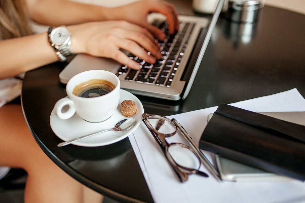 How To Get A Freelance Writing Job In College If You're Serious ...