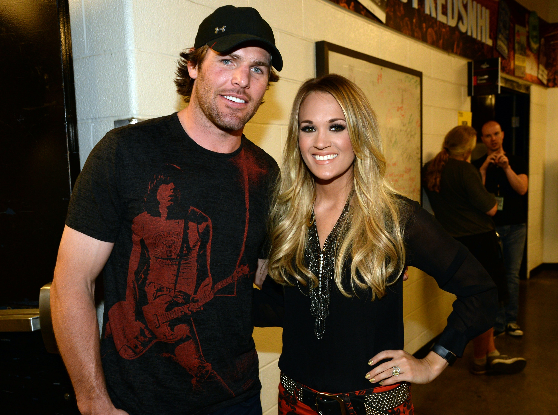che era Carrie Underwood dating Matthew Kazmierczak incontri