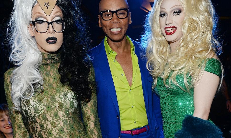 Rupauls drag race halloween costume tutorial makes being a queen rupauls drag race halloween costume tutorial makes being a queen easier than youd think solutioingenieria Image collections