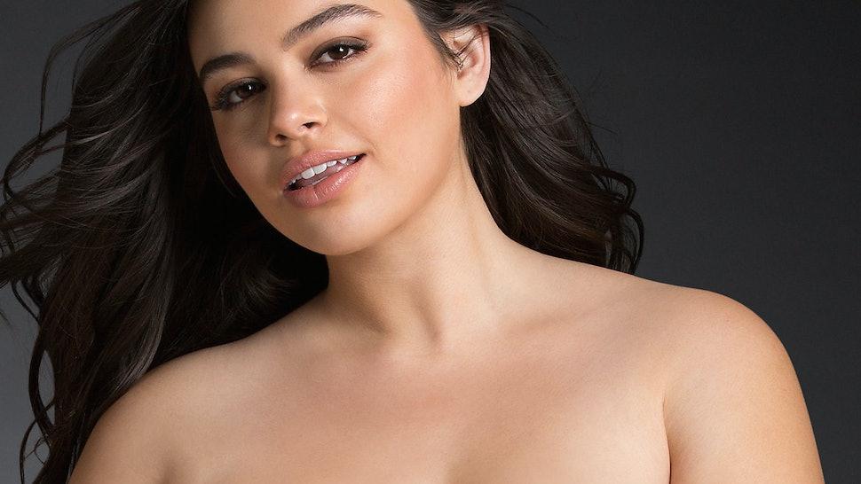 c033ef2d67 13 Best Plus Size Bras For Off The Shoulder Styles — PHOTOS