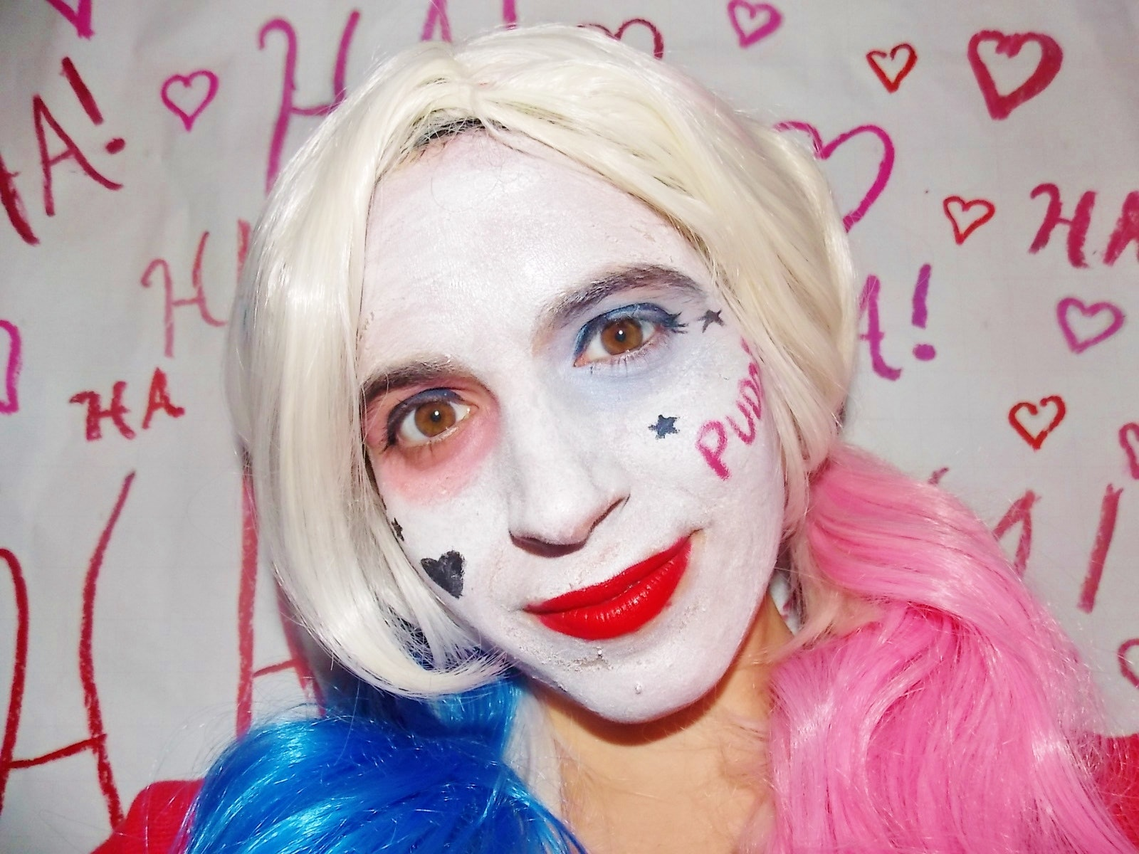 A Harley Quinn Makeup Tutorial So You Can Get A \u0027Suicide