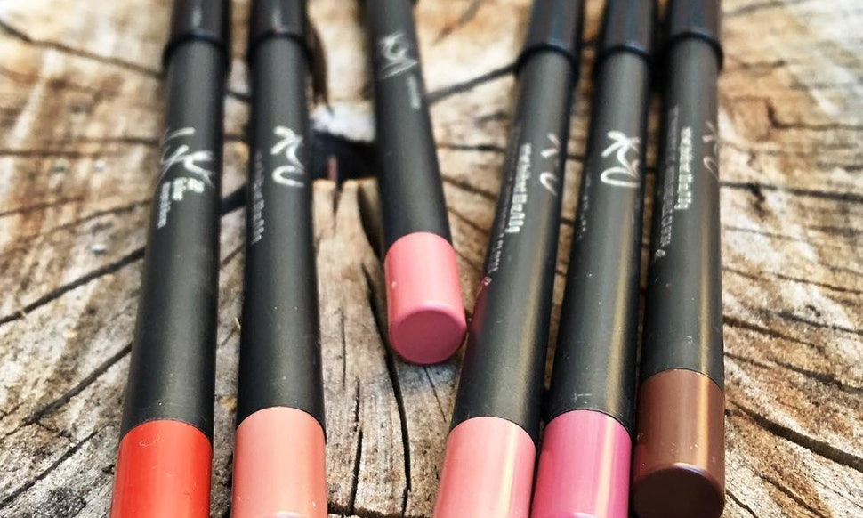 Can You Sharpen The Kylie Lip Kit Liner Heres How To Maximize These Creamy Pencils