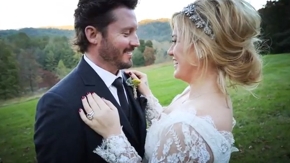 Kelly Clarkson Wedding.Kelly Clarkson S Wedding Video Is Supremely Sweet