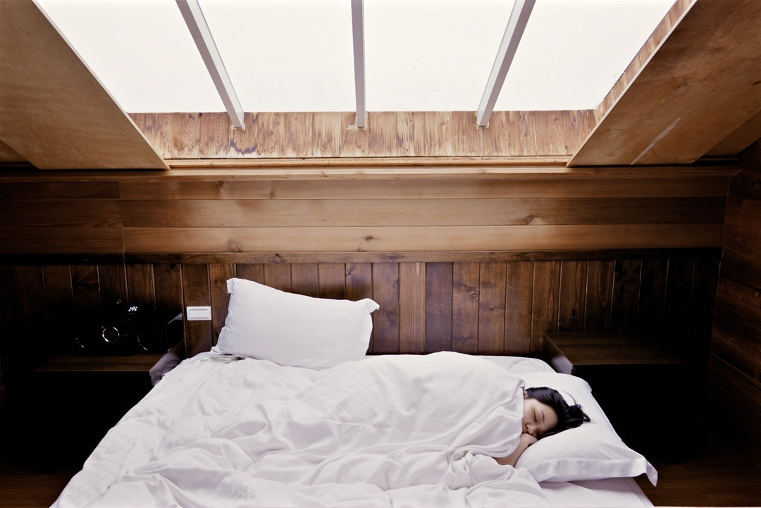 6 Reasons You Should Always Try To Sleep In A Cold Room