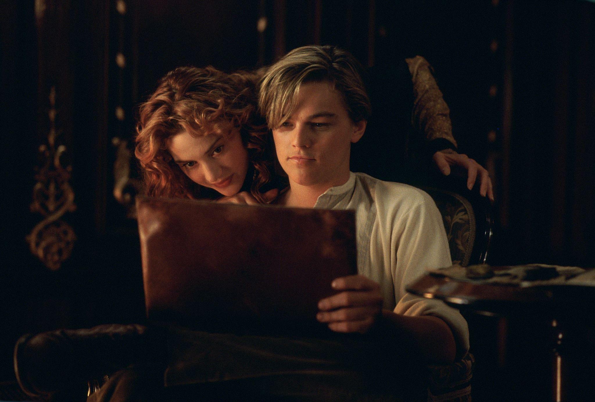 Dating in the dark hot scene of titanic