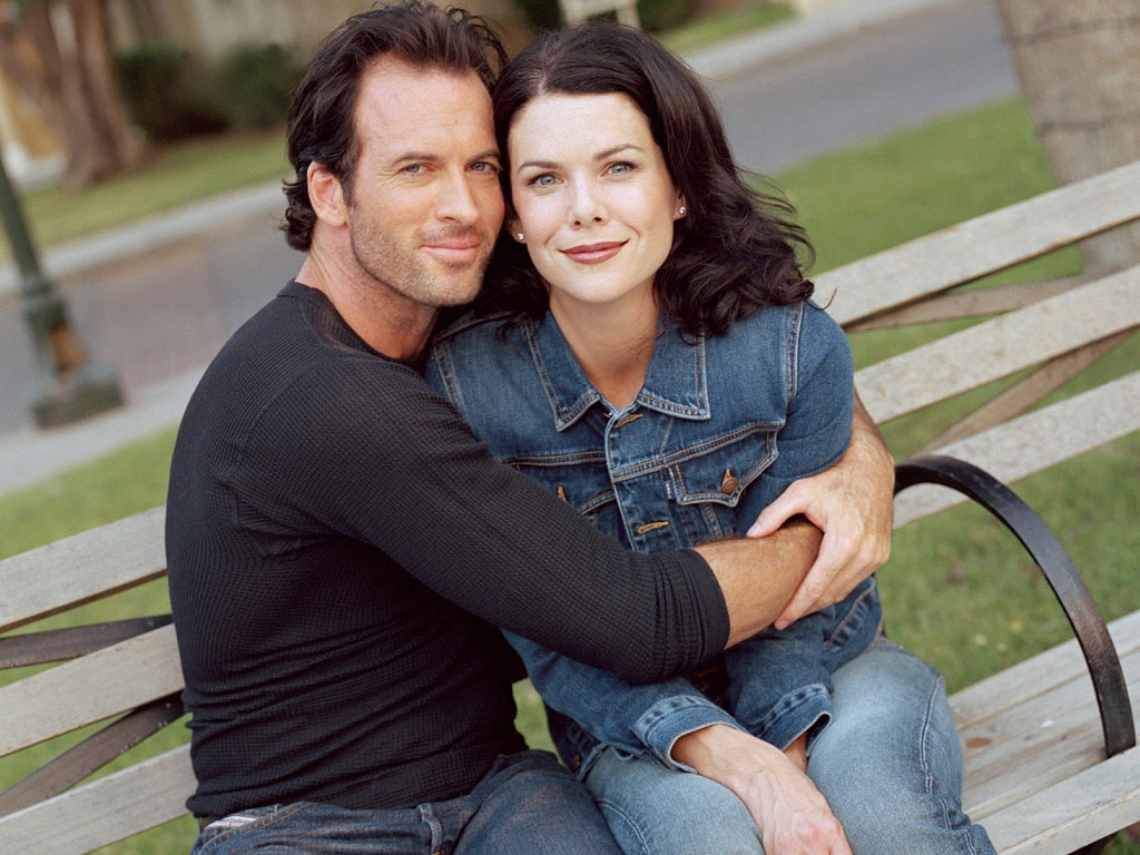 When does lorelai and luke start dating
