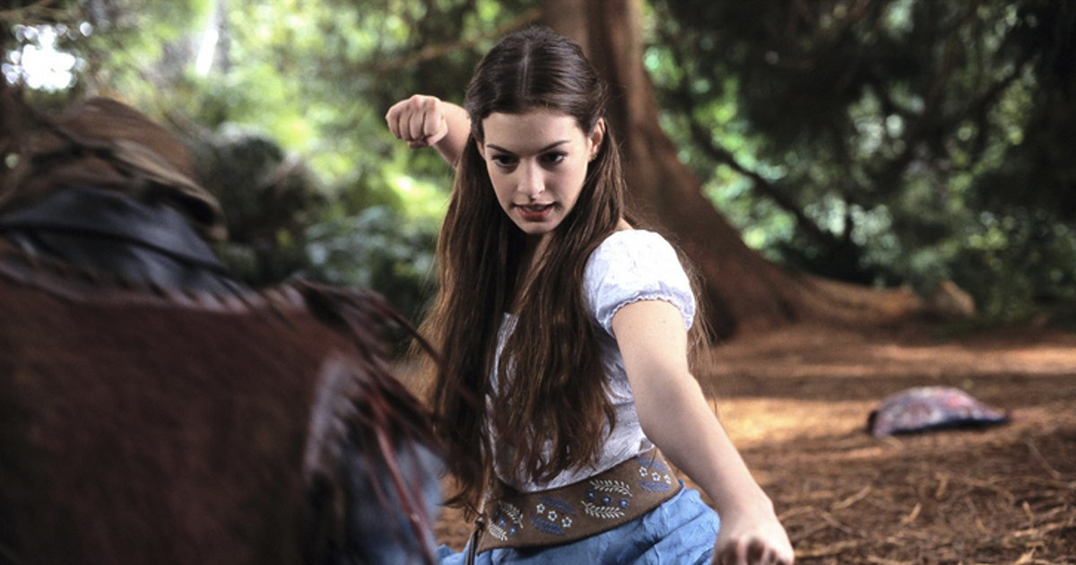 969c3a3409d90e 24 Things You Notice When You Re-watch  Ella Enchanted  Aka Anne Hathaway s  First Post- Princess  Role