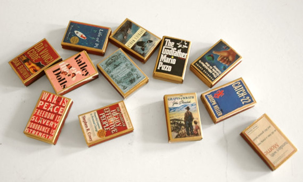 14 Literary Wedding Favors To Give Away On Your Big Day