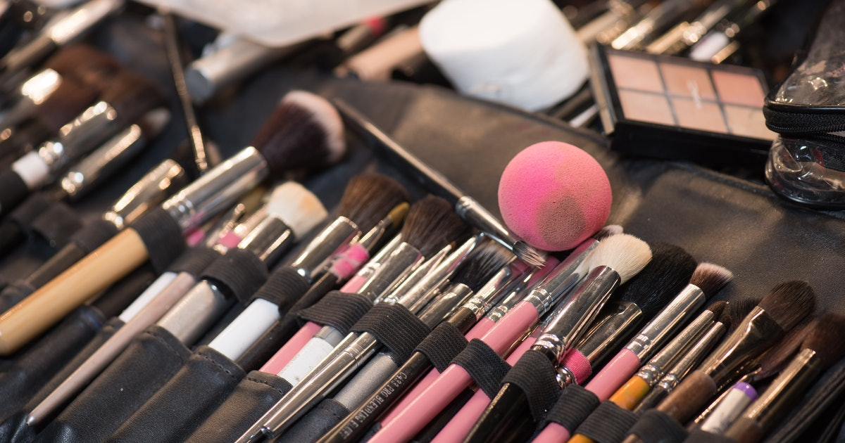 Clean Your Makeup Brushes Sponges