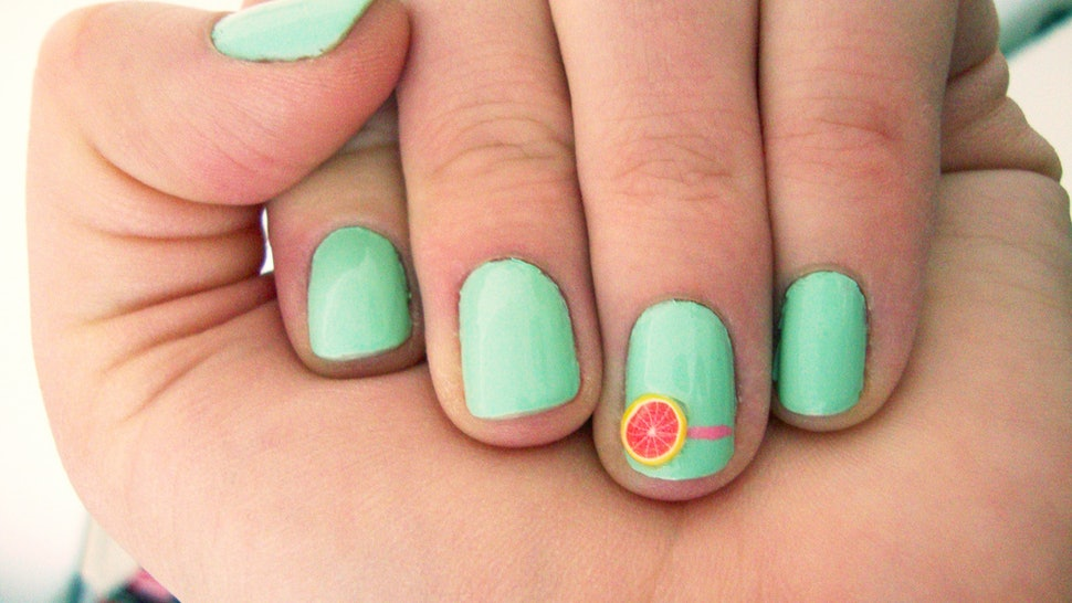 7 Summer Nail Art Ideas To Try When You\'re Lounging Poolside
