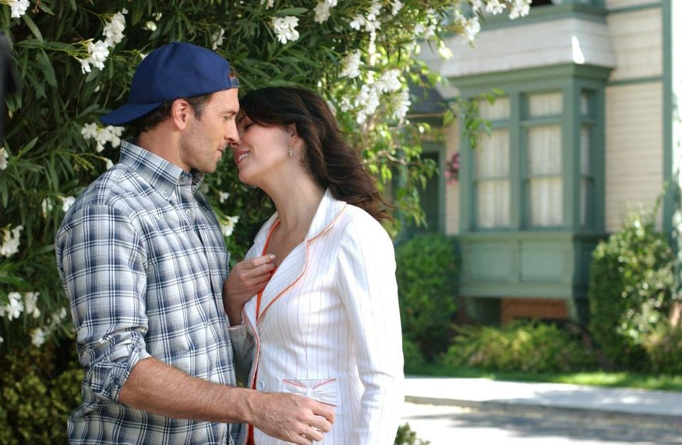 When do luke and lorelai first start dating