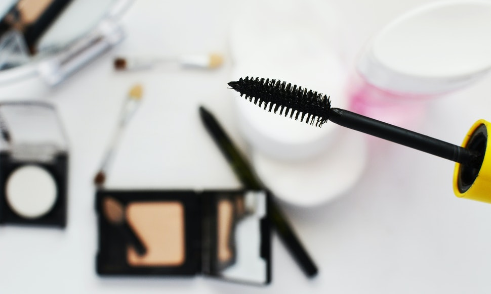 11 Eye Makeup Hacks For Beginners That Are Easy To Master
