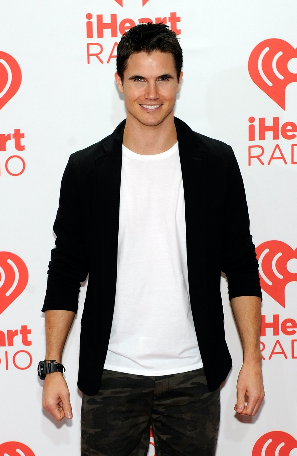 Is Robbie Amell Single Or Is This Tomorrow People Star Whose