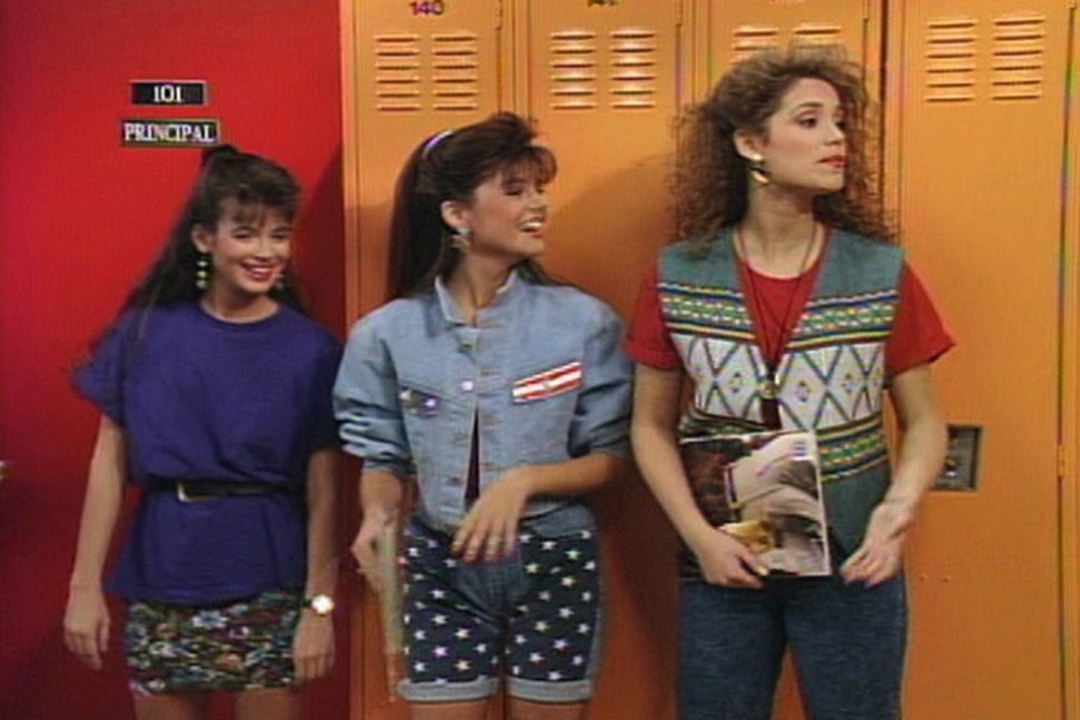 11 Things You Wore Back To School In The 90s That Are Still Hella Dope